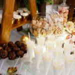 candy bar białystok rustykalny biało-złoty mini-deserki