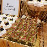 candy bar białystok złoty z piórami - mini-deserki leśny mech
