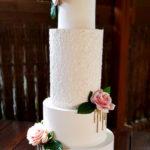 torty bialystok - weselny biały 4-piętrowy z kwiatami
