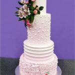 torty bialystok - weselny różowy z kwiatami