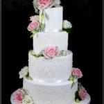 torty bialystok - weselny biały z różowymi kwiatami